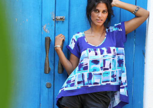 model with blue printed top